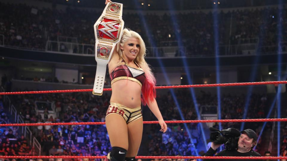 rawl women Six elite female superstars collide in a grueling gauntlet match for the opportunity to face alexa bliss for the raw women's title at the first-ever wwe.
