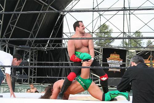 A Mapleleaf, um tributo ao meu mentor aqui aplicada a Pac (Adrian Neville no NXT)