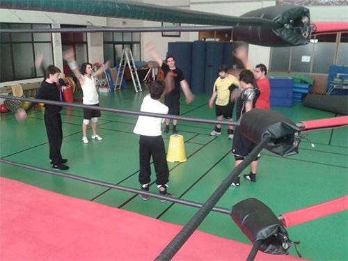 O grupo a meio de um treino na Academia do WP