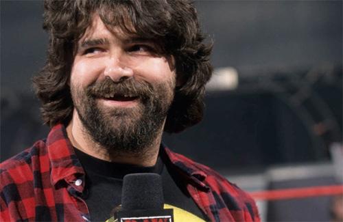 Mick Foley, uma personalidade genial no microfone