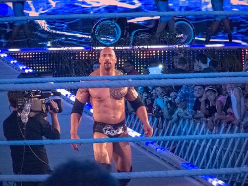 Rock impressionado com a qualidade das cordas dos ringues da WWE